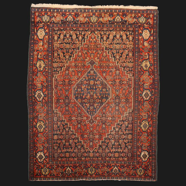 Persian Rug Senneh antique fine 4.8 x 3.6 ft / 146 x 110 cm