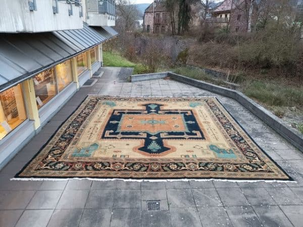 A oversized Azeri rug 20 x 16 ft hand knotted wool.